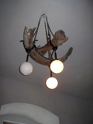 Светильник из мамонта.