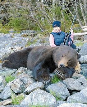 Наталья влюбилась в Аляску, а суженый научил ее охотиться.