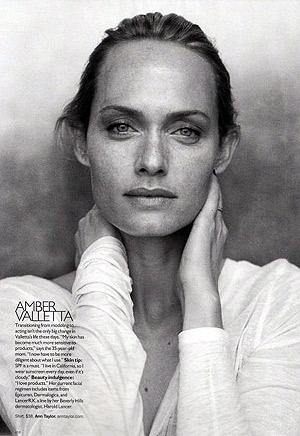 Амбер Валетта - американская топ-модель и актриса. Фото: фото журнала Harper's Bazaar US.