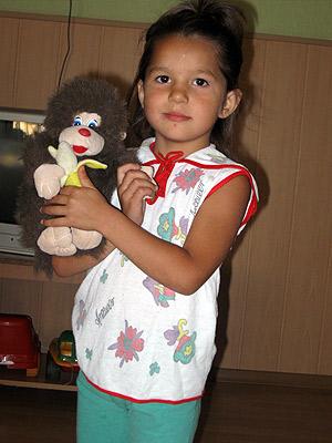 У Нади первый друг – обезьяна Владик.