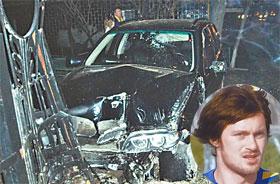 Артем чудом не пострадал в покореженном авто.