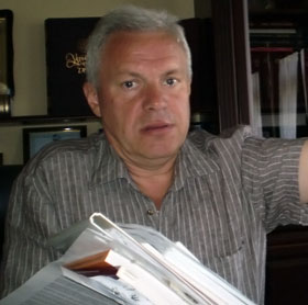Губернатор Валерий Асадчев: - Иван Мазепа восседает, как положено руководителю державы!