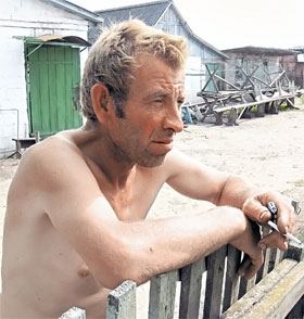 Отец погибшей Владимир Самодрига не знает, как жить дальше.