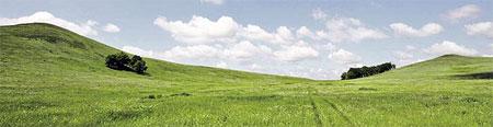 Между горами Инь (слева) и Янь (справа), по слухам, тоже приземляются «тарелки».