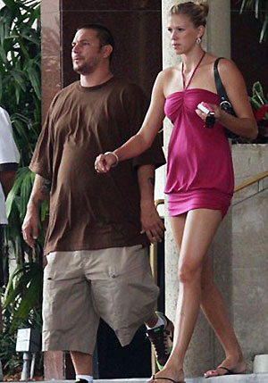 Нынешняя подруга Федерлайна - длинноногая волейболистка. Фото: Daily Mail.