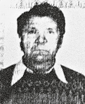 Вячеслав Бочкарев проработал в школе (вверху) всего три месяца. Но успел исковеркать жизнь семи девочкам.