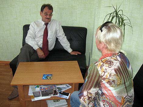 Сергей Жук из ассоциации «Свет надежды» утверждает, что его подопечные часто приходят жаловаться на медиков.
