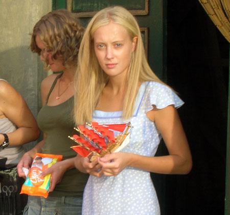 Вертинская сыграла Ассоль в 16 лет, Иващенко сейчас 18.