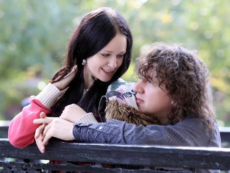 Как рассказывают друзья влюбленных, Наташа уже давно неравнодушна к Сергею и очень рада, что ее чувства теперь взаимны. Фото: Владимир СОКОЛОВ.