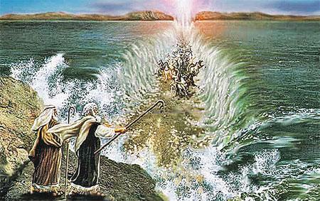Пророк Моисей провел евреев по дну Красного моря, воды которого расступились с Божьей помощью.