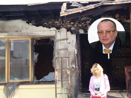 Супруги Федосеевы говорят, что коллекторы сожгли их гостевой домик, а теперь угрожают им расправой над 13-летней дочерью.