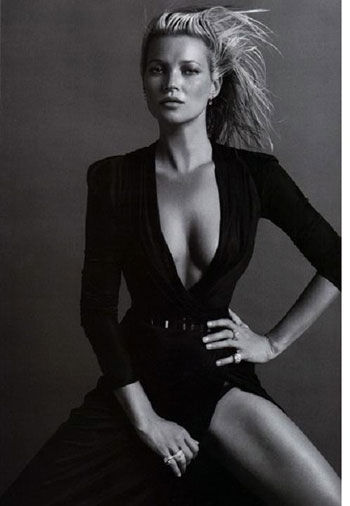 Такой мы видим Кейт Мосс на работе... Фото: фото из журнала Vogue.