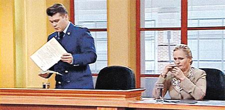 В «Федеральном судье» все как взаправду: и прокурор в строгом костюме, и опечаленная потерпевшая...