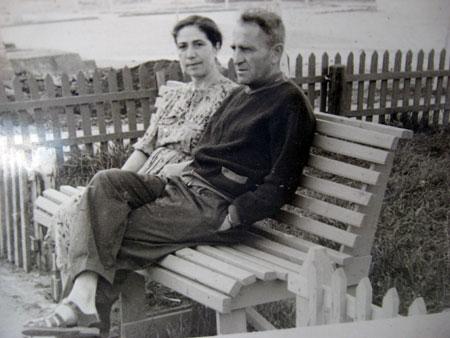Михаил Черновецкий с Евдокией - матерью Евгения Прокофьева.