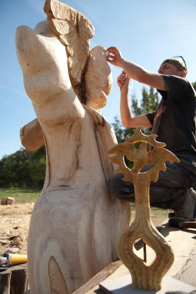 Над своим шедевром скульптор из Харькова трудился 3,5 дня. Фото автора.