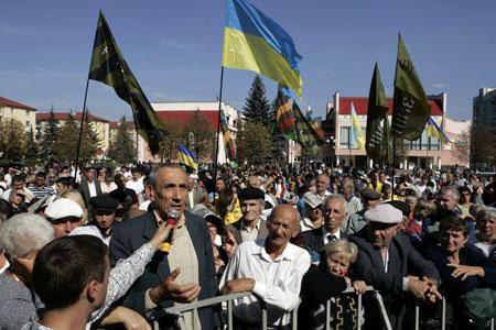 Город Долина. Народное вече. Украинцы задают вопросы Яценюку.