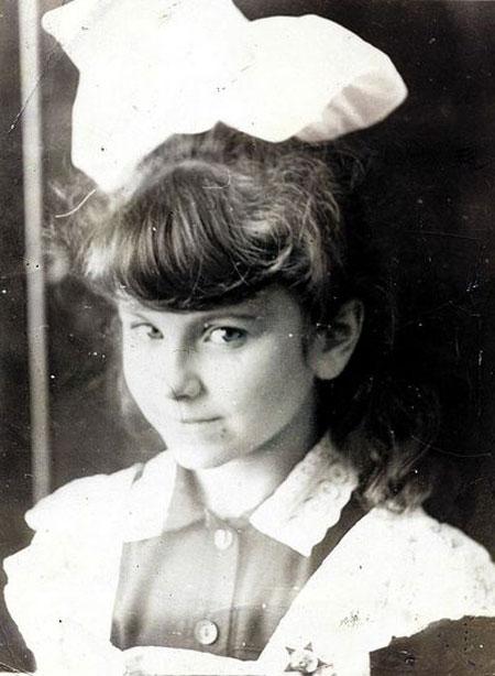 В детстве Ани Лорак любила песни Дунаевского.