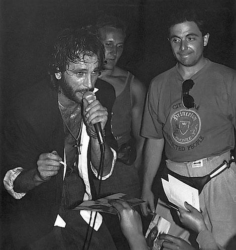 Игорь Тальков и Валерий Шляфман (справа) были в хороших отношениях. Кто бы знал, что одного скоро обвинят в убийстве другого....