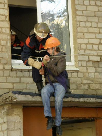 Вчера десант мчсников высадился в школе-интернате на ХТЗ