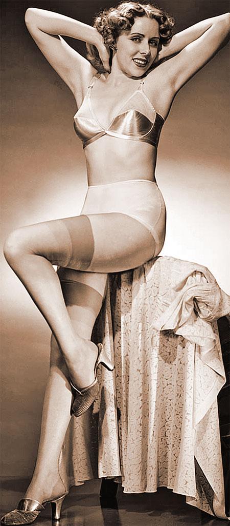 В 50-е годы бюстгальтер превратился из интимного предмета в украшение женщины.