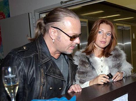 Бывший зять Пугачевой - Владимир Пресняков тоже приехал с женой, Натальей Подольской. Фото: Михаил ФРОЛОВ.