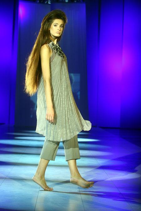 Немецкий дизайнер-авангардист Аннет Герц привезла в Украину одежду для современных красавиц-интеллектуалок.