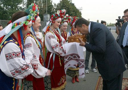 Лидер оппозиции чтит традиции своего народа и старается услышать каждого.