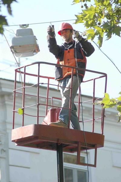 Новая линия электропередач обещает быть более безопасной, чем старая.