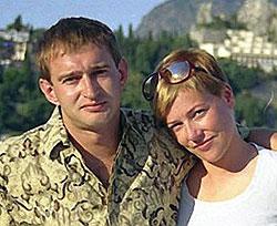Актер нежно любил жену Настю (на фото). И сейчас некоторые говорят, что Лена Перова очень на нее похожа.
