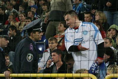 После эксцессов на матче с Англией милиции на стадионе было больше, чем обычно