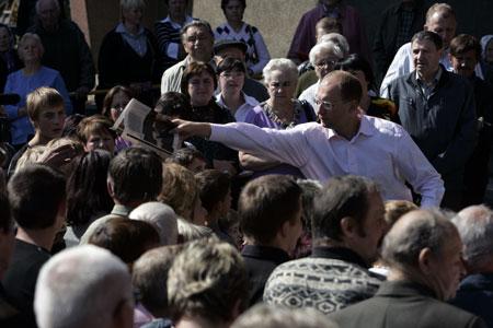 Народные вече с Арсением Яценюком пользуются большой популярностью по всей Украине.