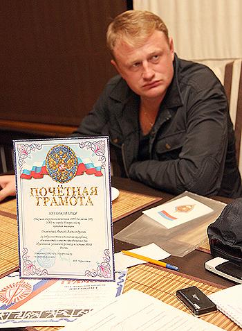 Алексей Дымовский уверяет - он хороший милиционер.