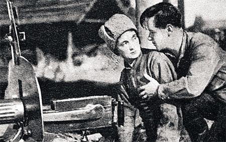 Зря говорят, что в СССР секса не было! Петька и Анка любят друг друга так же страстно, как ненавидят врагов.