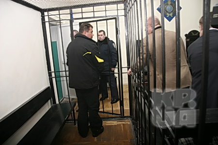 Из здания суда ректора увезли в Лукьяновское СИЗО.
