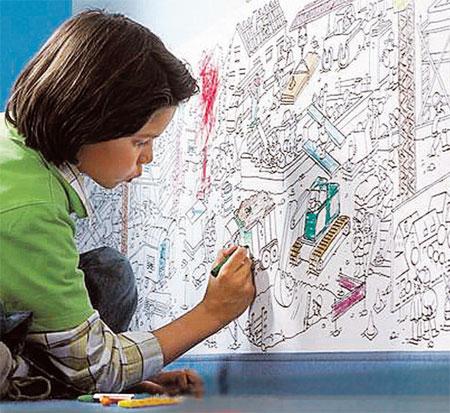 Зарубежные дизайнеры придумали для детской специальные обои - с местом для рисования. Очень удобно: и дитя может самореализоваться, и интерьер не страдает.