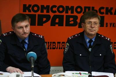 Александр Труш (слева) и Виктор Гопайца считают, что дисциплина на дорогах у нас оставляет желать лучшего.