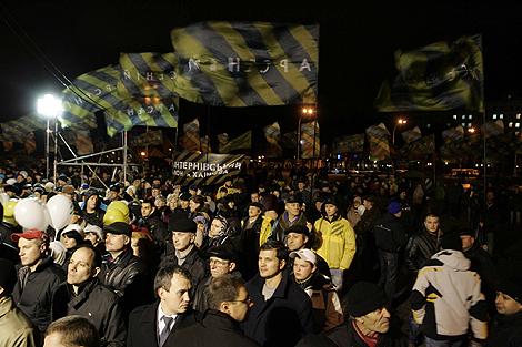 На народное вече в Харькове послушать политика пришли тысячи людей.