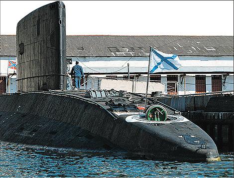 У подлодки «Алроса» в 150 км от берегов Абхазии возникли проблемы с двигателем.