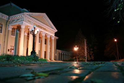 Самое старое здание университета - Дворец студентов - ровесник самого Екатеринослава!
