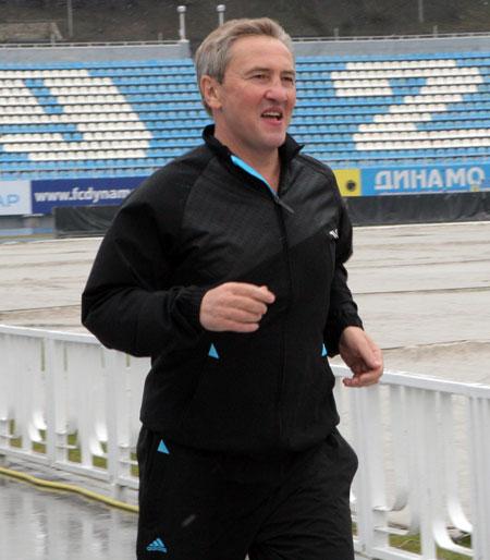 В свои годы Леонид Михайлович демонстрирует отличную физическую подготовку.
