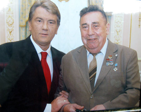 Виктор Ющенко вручил Николаю Касьяну Орден Ярослава Мудрого 4 степени