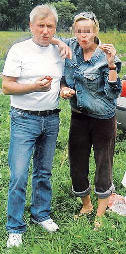 Брат Пугачевой прожил со своей молодой женой семь лет. Фото из семейного архива: Евгений Борисович с Любой на пикнике.