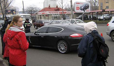 Видио андрей шевченко попал в дтп на новом porsche panamera
