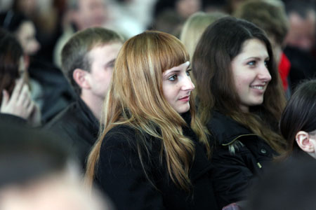 - Так классно рассказывает. На лекциях всех этих тонкостей не узнаешь, - говорили херсонские студенты, слушавшие выступление политика.