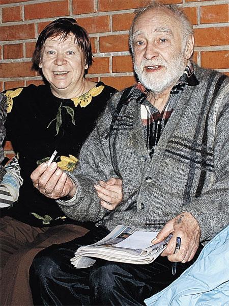 Вячеслава Васильевича и его жену Тамару Ивановну спасало от шумного города уединение на даче на Николиной Горе.