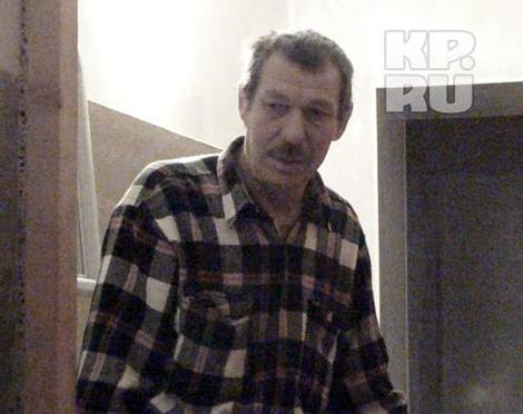 Петр Никифоров живет в этом доме на первом этаже. Фото: Алексей ЖУРАВЛЕВ.