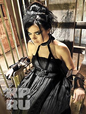 Лена Темникова пострадала из-за своих чувств к брату своего продюсера, Макса Фадеева.