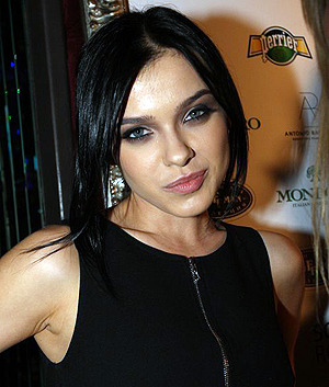Елена Темникова, похоже, пострадала из-за своих отношений с братом продюсера группы Serebro Максима Фадеева.