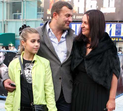 Свою любимую супругу Ольгу актер не раз называл «великой женщиной». На фото - со старшей дочерью от первого брака Варварой.