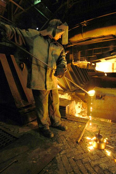 Политик считает, что металлургические предприятия страны запоздали с модернизацией - однако начинать никогда не поздно.